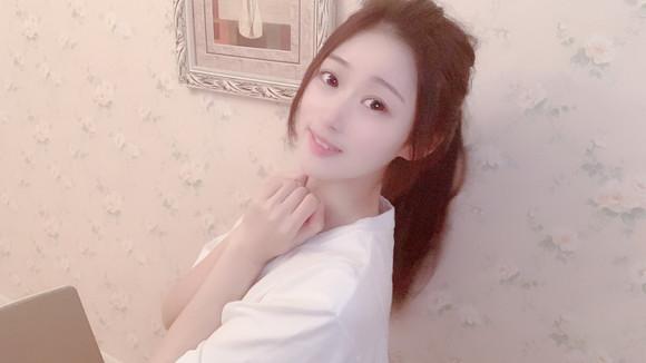 私藏:清纯小姑娘